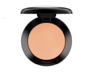 2.MAC Studio Finish SPF35 Concealer