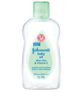 2.Johnson's Baby Oil Aloe Vera & Vitamin E (125ml)